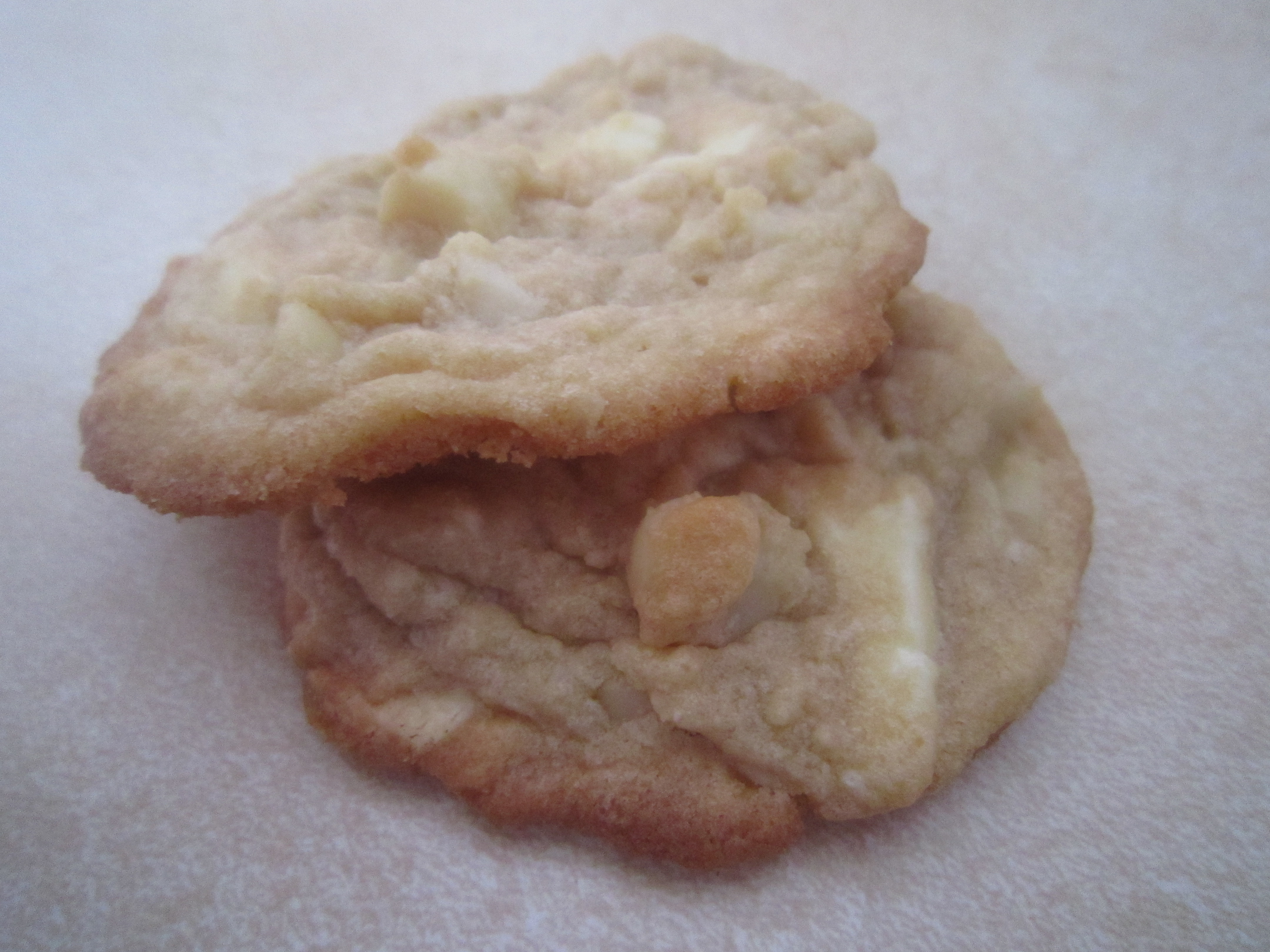 To begin, combine flour, baking soda, and salt in a medium bowl.