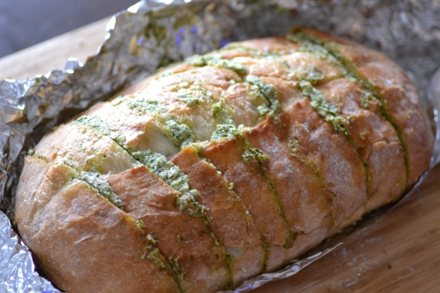 Artichoke Feta Garlic Bread